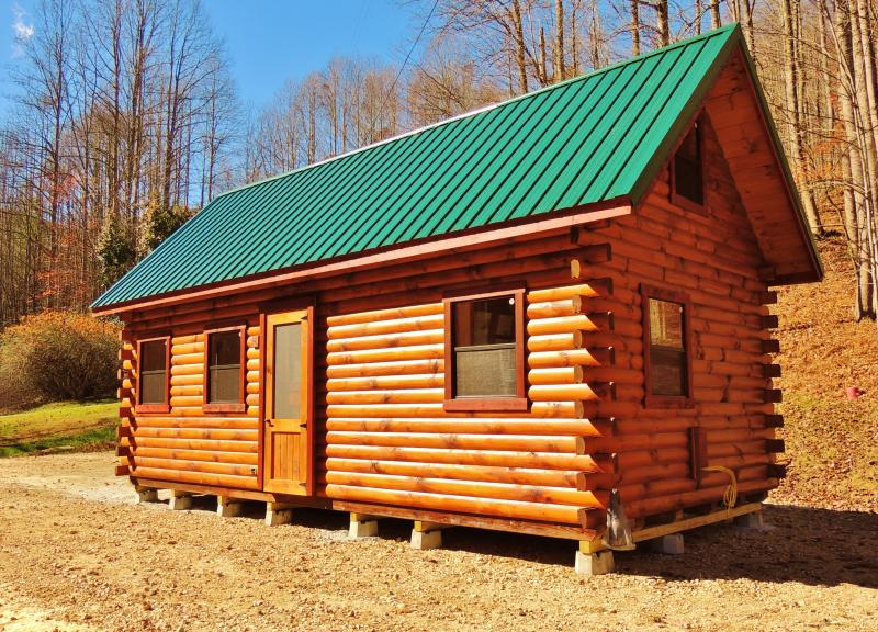 Trophy Amish Cabins Llc 12 X 26 Xtreme Lodge 504 S F